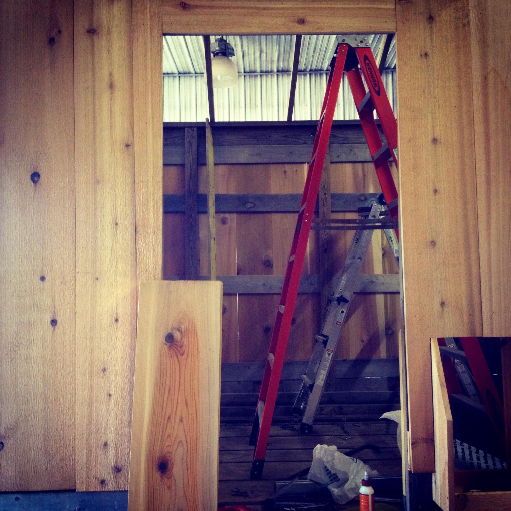 building a sliding barn door mauledbydesign. Black Bedroom Furniture Sets. Home Design Ideas